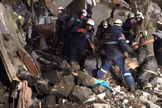При обрушении части дома вШахтинске погибли 9человек