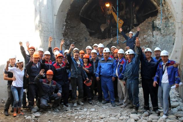 В Алматы соединили тоннели станций метро Сайран и Москва