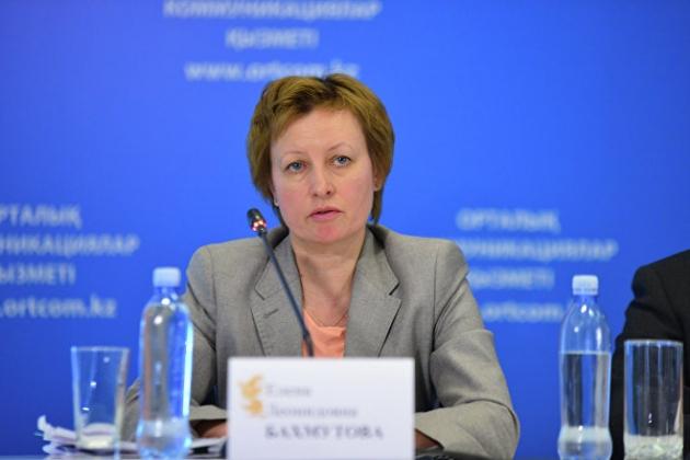 Елена Бахмутова разъяснила систему взносов вфонд медстрахования