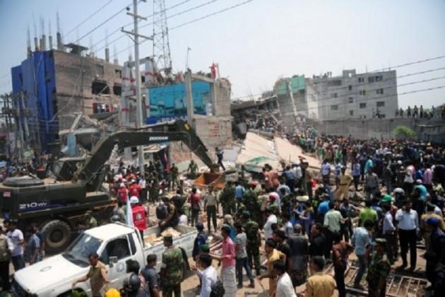 Число погибших при обрушении здания в Бангладеш превысило 900 человек