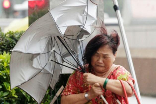 На Хайнань обрушился тайфун Калмэджи