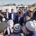Бауыржан Байбек встретился с жителями ряда проблемных объектов Шымкента