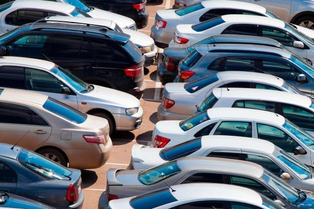 Госорганы сократили покупку служебных авто на треть