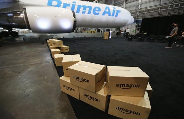 Amazon возьмет в аренду 15 самолетов Boeing для доставки посылок
