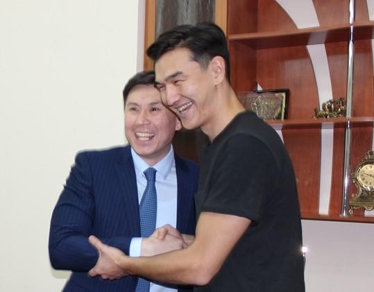 Нурлан Сабуров дал благотворительный концерт вСтепногорске