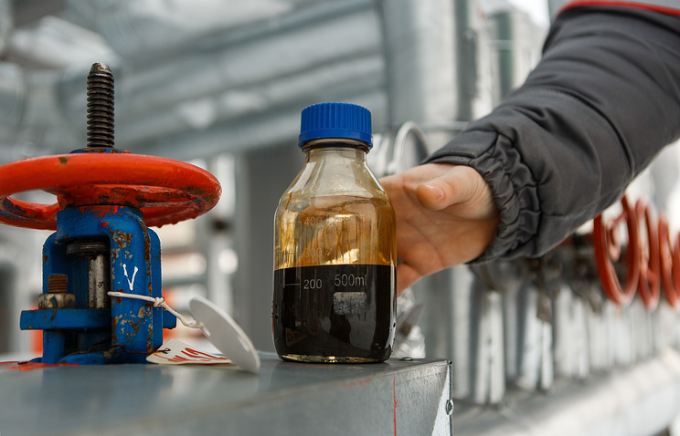 Цена нефти Brent опустилась ниже 49 долларов забаррель