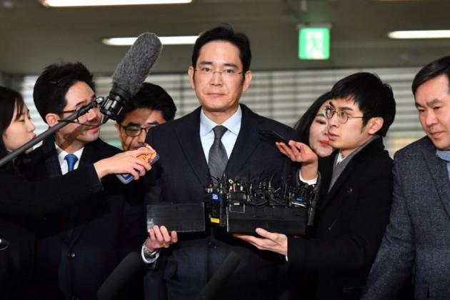 Суд вЮжной Корее выдал ордер наарест главы Samsung Group