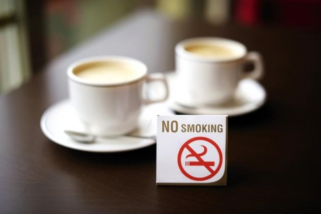 Сколько потеряют рестораны от запрета на «курилки»?