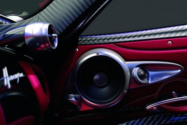 Супер-звук для Huayra