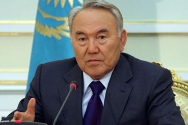 Назарбаев призвал копить на учебу