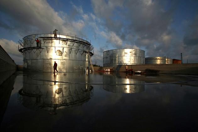 США начнут продажу нефти изрезервов