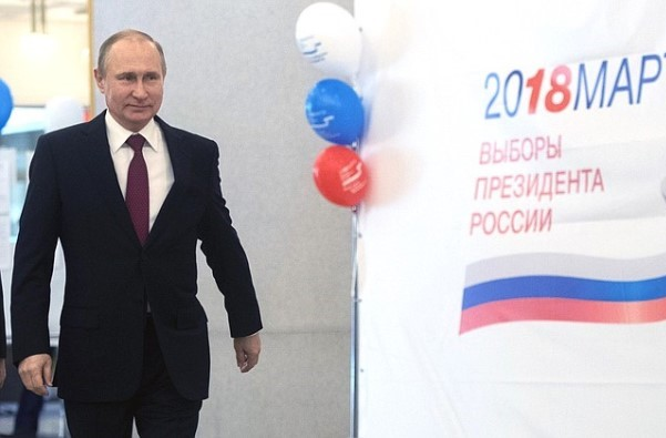 Экзитпол: Навыборах президента России побеждает Владимир Путин