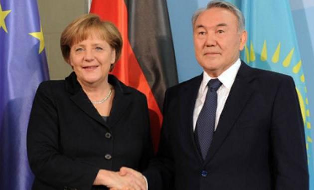 Нурсултан Назарбаев обсудит с Меркель ситуацию в Украине