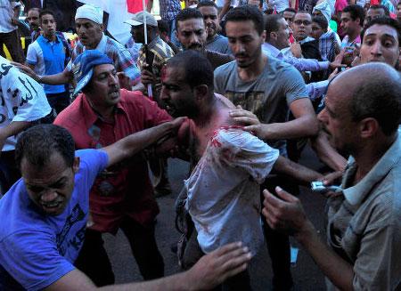 Столкновения в Египте начались в курортных городах. Видео