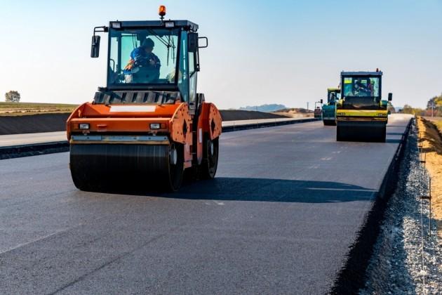 Президент поручил «строить дороги до самого дома»