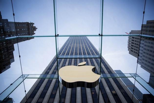 Акции Apple выросли дорекордного уровня
