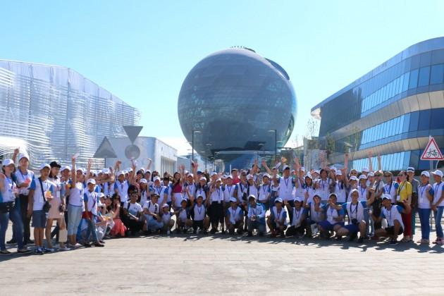Halyk пригласил 100казахстанских школьников наEXPO