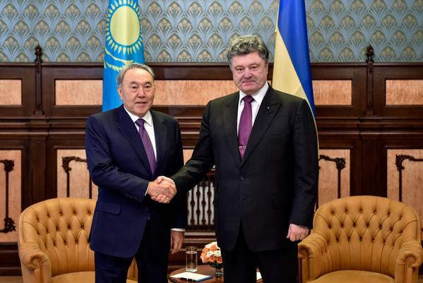 Президенты РК и Украины обсудили двустороннее сотрудничество