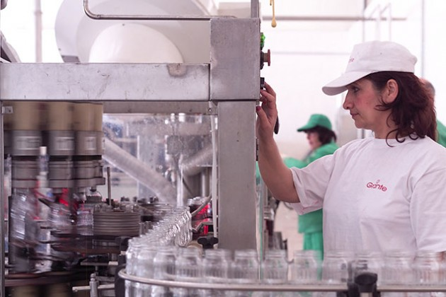 Миллиардер Фархад Ахмедов увеличил на 50% зарплаты своих работников
