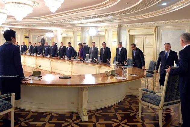 В Акорде началось совещание под председательством президента