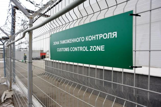 В КГД объяснили скопление фур на границе с Узбекистаном