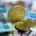 Участие Нацбанка на валютном рынке снизилось почти на треть