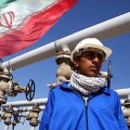 Иран отказался продавать нефть за доллары