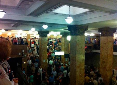 Из метро Москвы эвакуировали более 4 тыс. человек