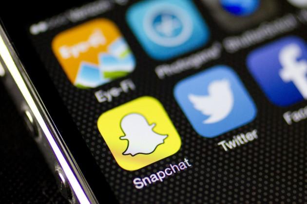 Основатели Snapchat потеряли более $2млрд нападении акций