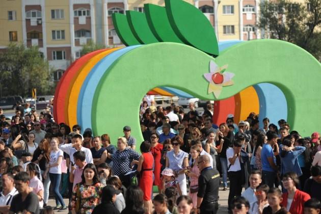 Опрос: 90% алматинцев ощущают себя счастливыми