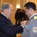 Президент вручил Айдыну Аимбетову высокие госнаграды
