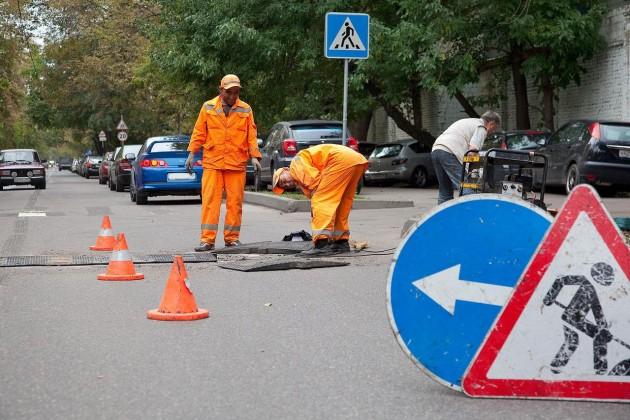 В Казахстане регулярно говорят о некачественном ремонте дорог