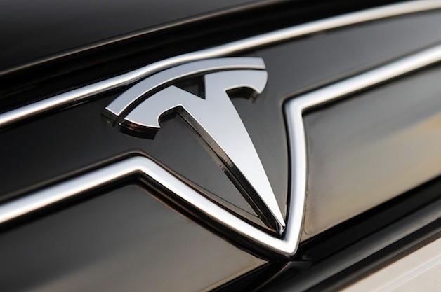 Tesla отзовет 53тысячи электромобилей