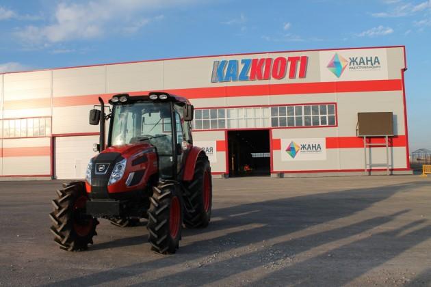 Почему простаивал тракторный завод в Туркестанской области