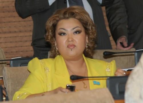Суд обязал Сыздыкову вернуть 7 млн тенге Нур Отану