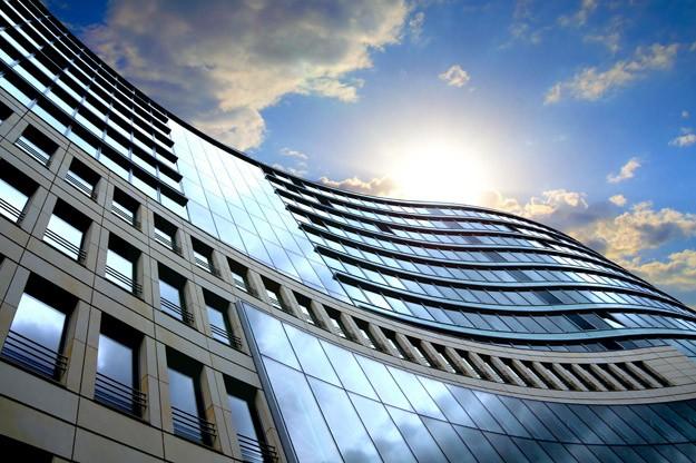 В коммерческую недвижимость мира вложили $436 млрд.