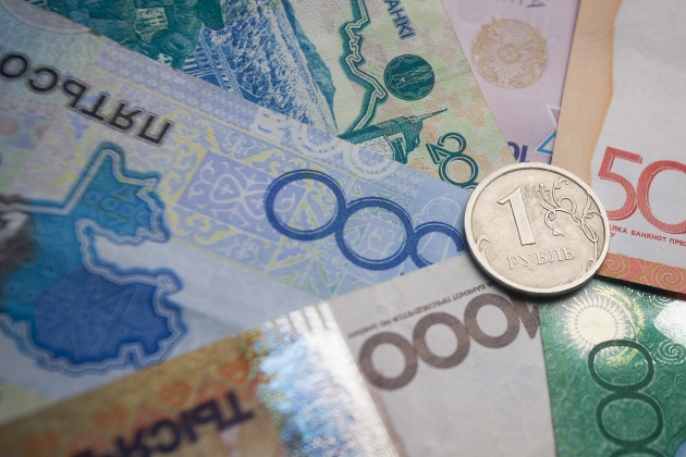 Тенге и рубль в лидерах роста среди валют развивающихся стран