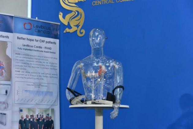 В Астане впервые в мире имплантировали искусственное сердце