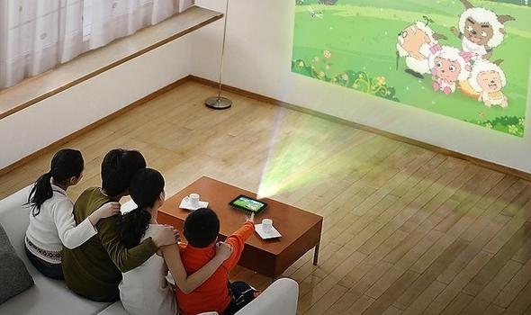 Анонсирован планшет со встроенным проектором