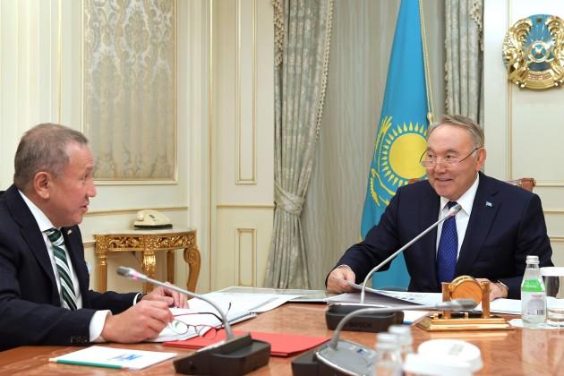 Нурлан Смагулов рассказал Президенту о строительстве автозавода