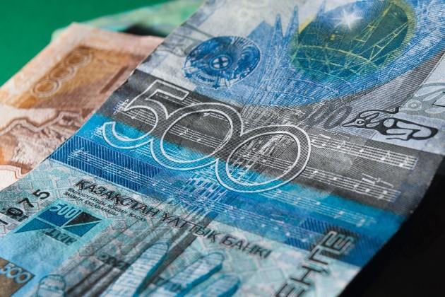 Объем банковских сбережений на казахстанца по итогам декабря 2014 года