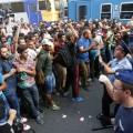 У вокзала в Будапеште начались столкновения мигрантов с полицией