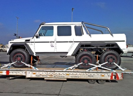 Mercedes-Benz G 63 AMG превратили в трехосный пикап