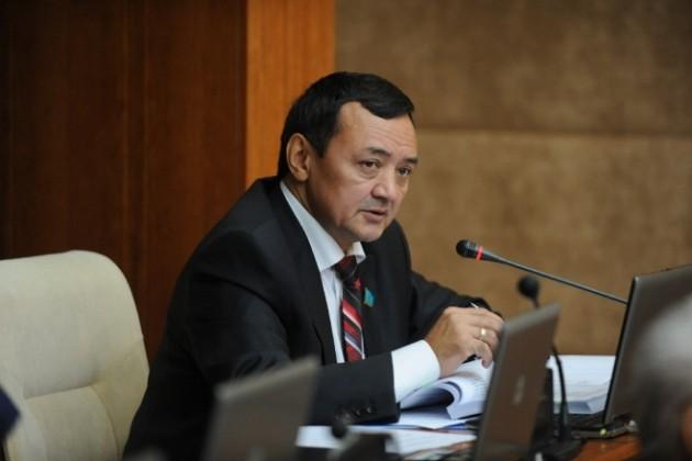 Депутат Мухтар Тиникеев сложил свои полномочия