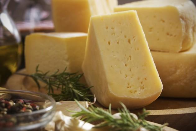 В Россию не разрешили ввезти свыше 58 тонн сыра из Казахстана