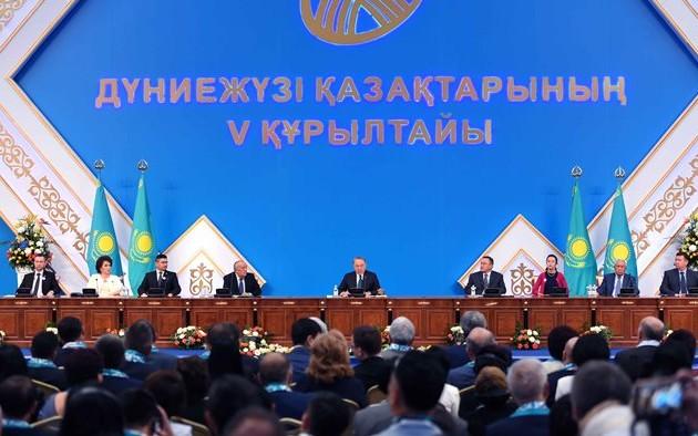 Нурсултан Назарбаев переизбран председателем Всемирной ассоциации казахов