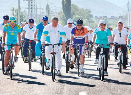 Из-за велопробега в Алматы перекроют движение