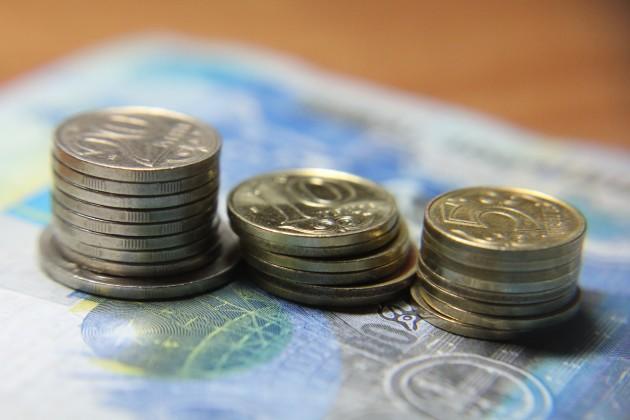 Некоторые казахстанские банки экономят на сотрудниках