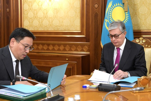 Касым-Жомарт Токаев встретился с главой Нацбанка и министрами