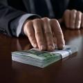 В Алматы задержаны экс-сотрудник генпрокуратуры и работник таможни